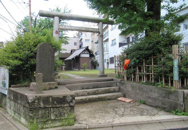 地味な神社