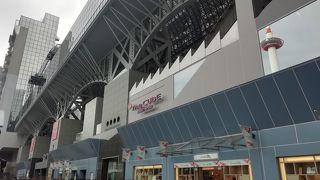 京都駅ビルの専門店街