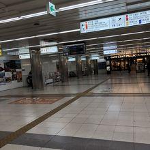 難波駅コンコース