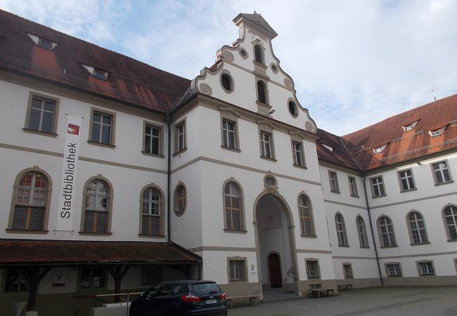 旧市街地の南側のエリアにあります。
