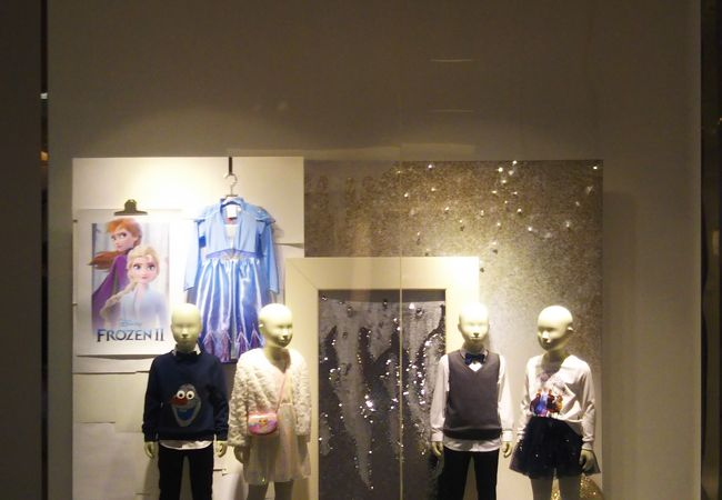 H&M (ダイバーシティ東京プラザ店)