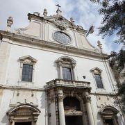 サン・ドミンゴス教会のある広場