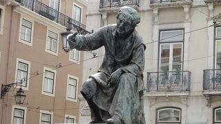アントニオ レベイロ像