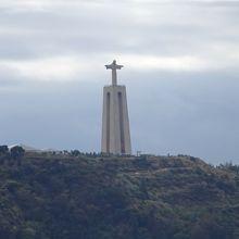 リスボンを見下ろすキリスト像