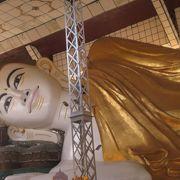 ミャンマー最古の寝仏