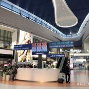 上海浦東国際空港の新しいターミナル