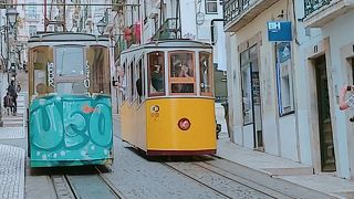 リスボンといえば!フォトジェニックなケーブルカー