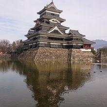 松本城 黒い天守閣
