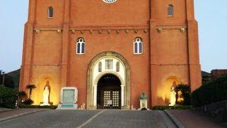 再建された教会