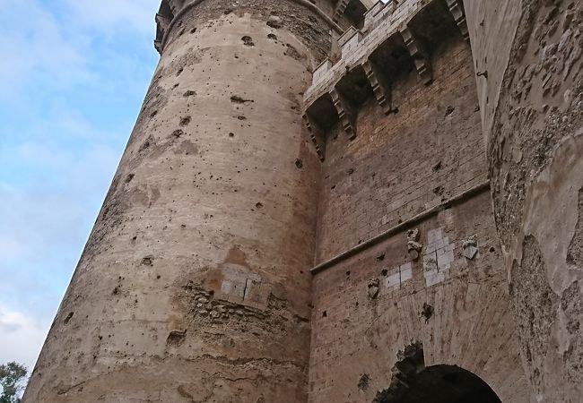 クアルトの塔