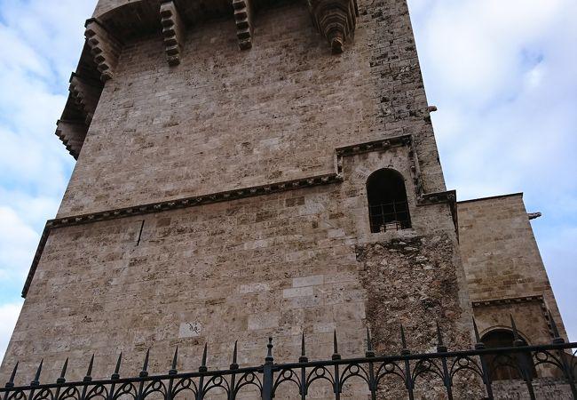 セラーノスの塔