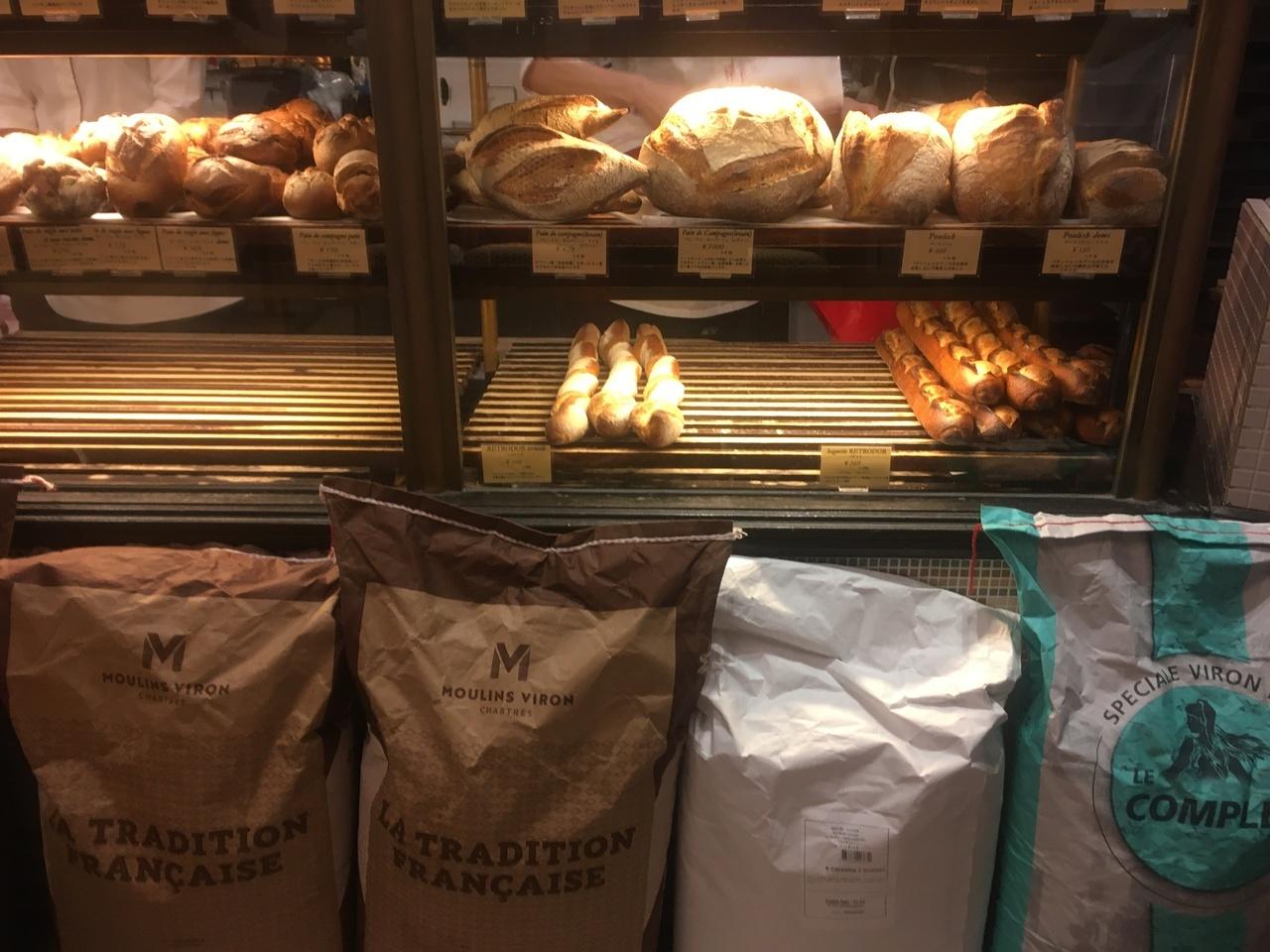 フランス直輸入の小麦粉を使用