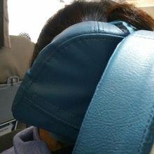 頭を包むタイプのヘッドレスト