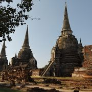 3基の仏塔