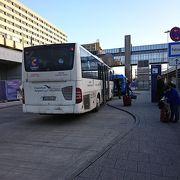 ホテルシャトルバス乗り場が狭い
