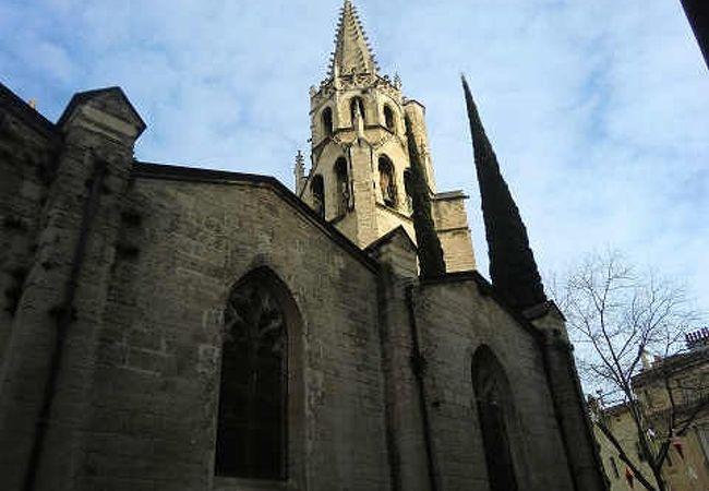サンピエール教会