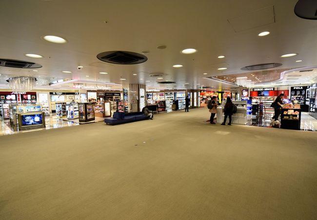 LCCターミナルでもちゃんとある免税店