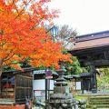 渋温泉の一番奥にあるお寺です。