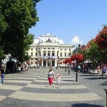 フヴイエズドスラボボ広場