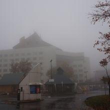 この日は霧が濃かった