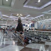 こじんまりとした良い空港