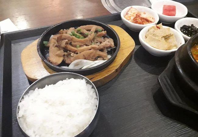 韓国焼肉レストラン 窓(チャン)