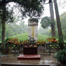 孔林の孔子墓