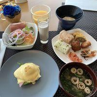 ラウンジの朝食は九州名産が少しずつ味わえます