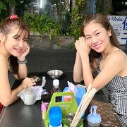 生ココナッツを使用したマッサージが地元タイ人女性たちにも好評ですね。