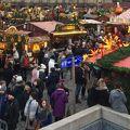 写真:メイル ブランリのクリスマスマーケット (マルシェ ド ノエル)