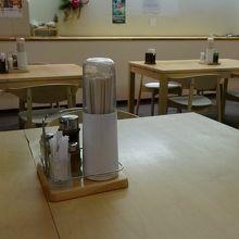 食堂はこうなってます。