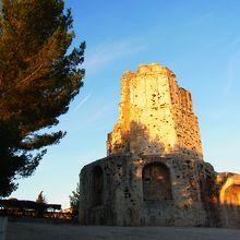 マーニュの塔