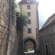 旧市街地の南につきでた場所にある門の一つです。