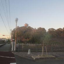 駅から歩いて行けました