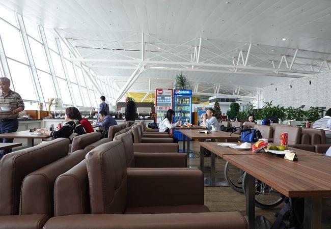 ノイバイ国際空港 ビジネスラウンジ