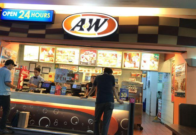 A&W レストランターミナル1レッドコーナー