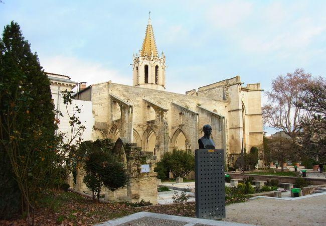 サン マルティアル寺院
