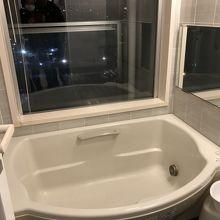 大浴場はありません。