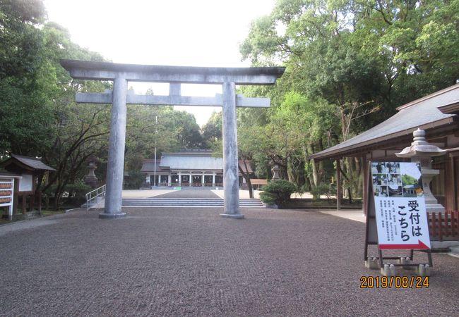 宮崎神宮の隣にあります