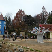 ムーミン屋敷とツリーオブオーケストラ