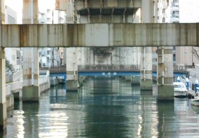 竪川に架かる短い橋