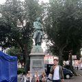 写真:シラー広場
