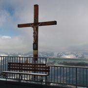 マッターホルンを見ながら周辺をハイキング