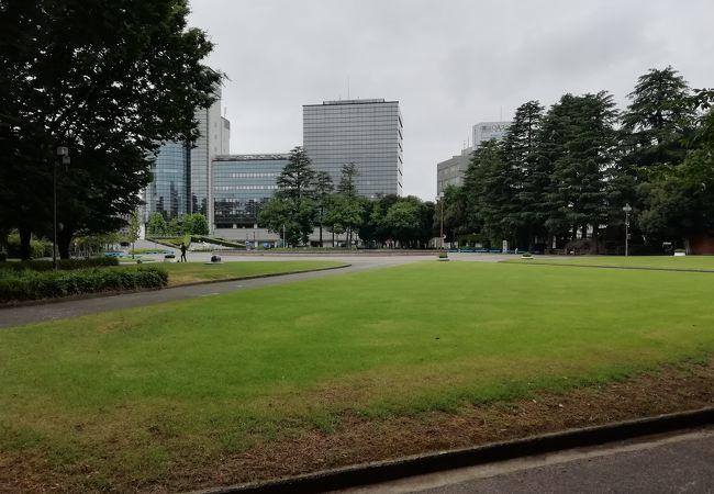 富山県庁前公園