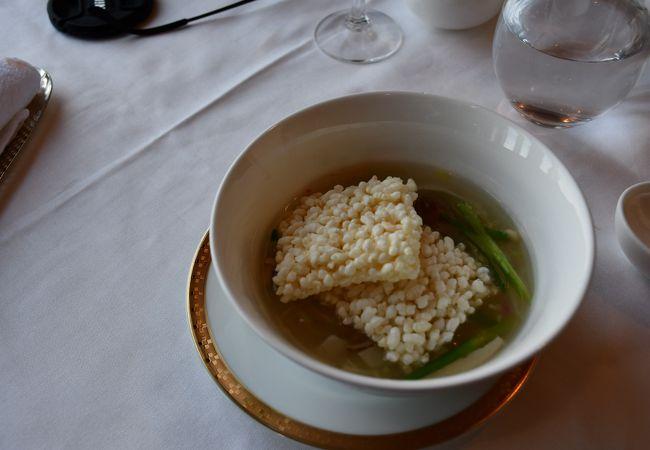 濃厚な味付けの広東料理
