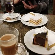 甘さを抑え気味にして、しかも濃厚なチョコレートの風味を残している