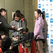 本田真凛の妹、本田沙来選手は試合後にインタビューを受けてた