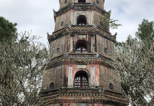 7層8角形の仏塔