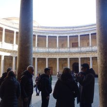 ルネサンス様式の柱。