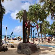 ワイキキビーチで一番賑やかなのはココ